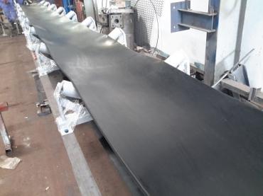 Ứng dụng của hệ thống băng tải cao su trong công nghiệp sản xuất